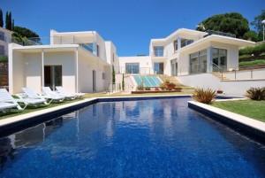 Villa en espagne avec piscine a louer circuit espagne du - Location maison avec piscine barcelone ...