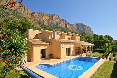 Villa en espagne avec piscine a louer