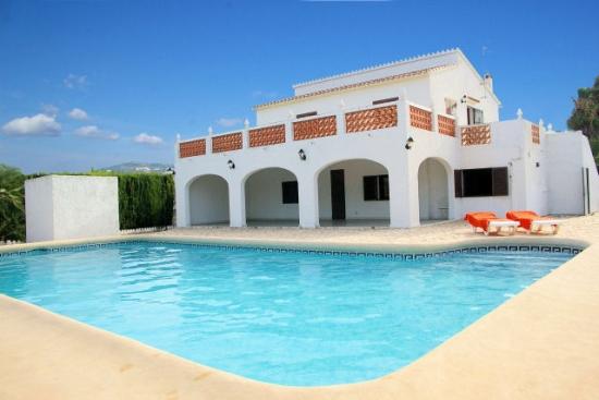 maison avec piscine a louer en espagne villa pas cher. Black Bedroom Furniture Sets. Home Design Ideas