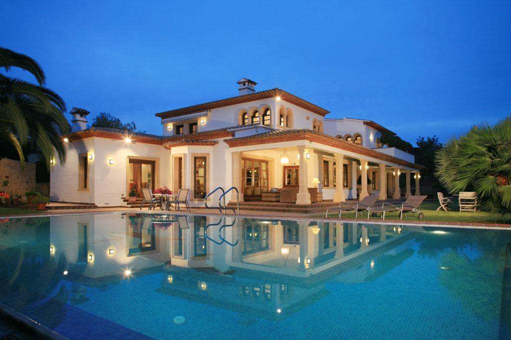 Location maison en espagne pas cher location de villa en - Location maison avec piscine barcelone ...