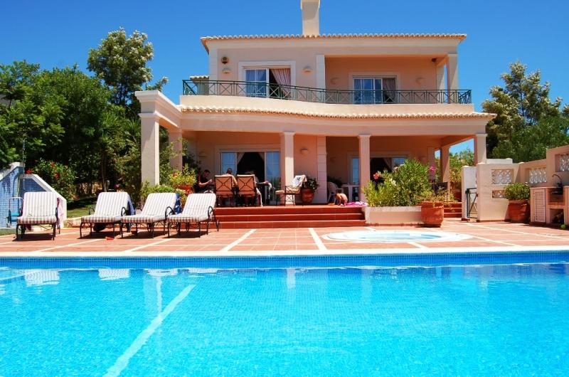Location maison sud espagne formule tout inclus espagne - Location maison algarve avec piscine ...
